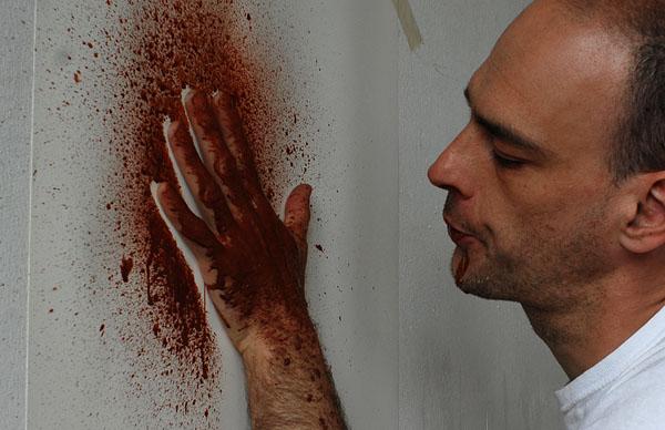 Die Hand an der Wand – ein Experiment